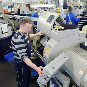 Turning lathes for precise production of work pieces and large batches.